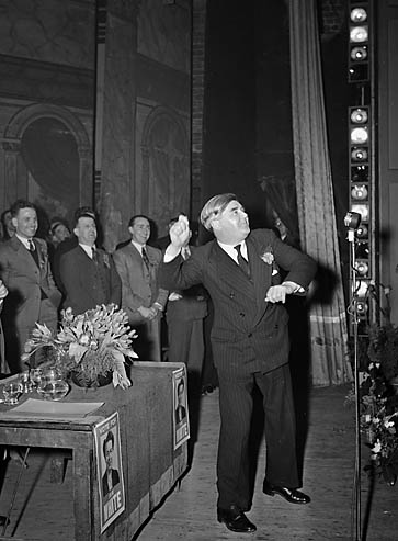 [Aneurin Bevan speaking at Shotton during the 1950 General Election]