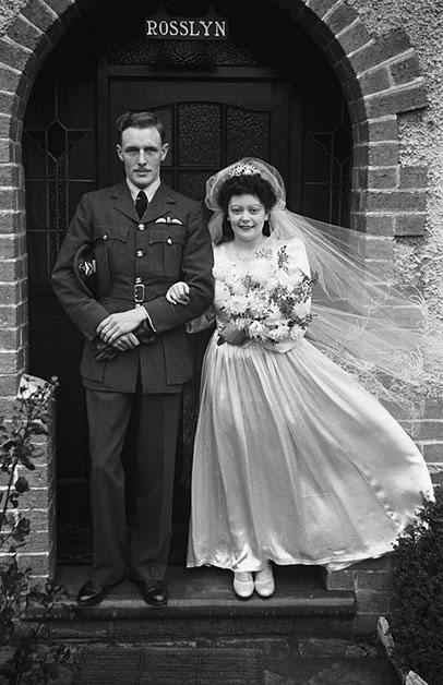 [Wedding of Constance Irma Beaumont and Eric Dennis Savage at Newtown]