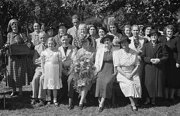 [Group at Llanfechain garden fete and sports]