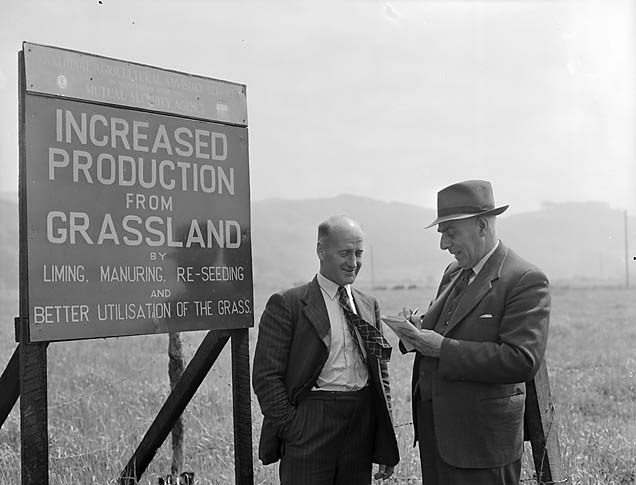 [Demonstration at Glanllyn Estate in connection with the Marshall Plan - grassland improvement]
