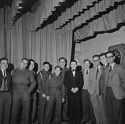 [1955 Combined Services Darts championships at the NAAFI Club, Oswestry]