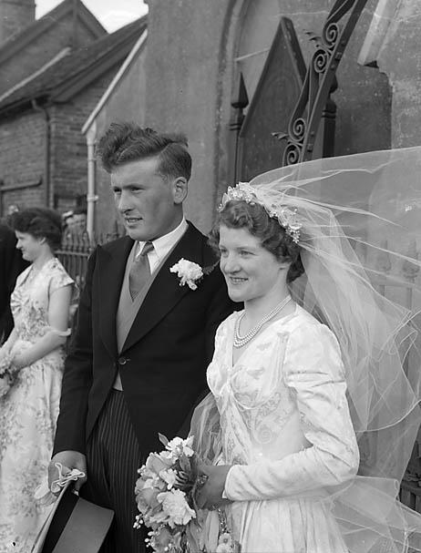 [Wedding of Joyce Irene Lewis and Frederick Maldwyn Hughes at Alderbury]