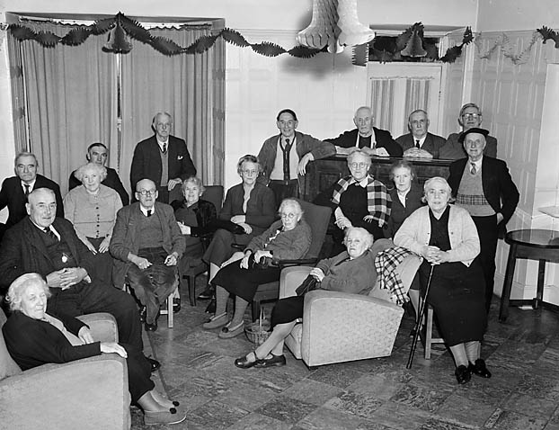 [Christmas at Awel-y-Mor Old People's Home, Barmouth]