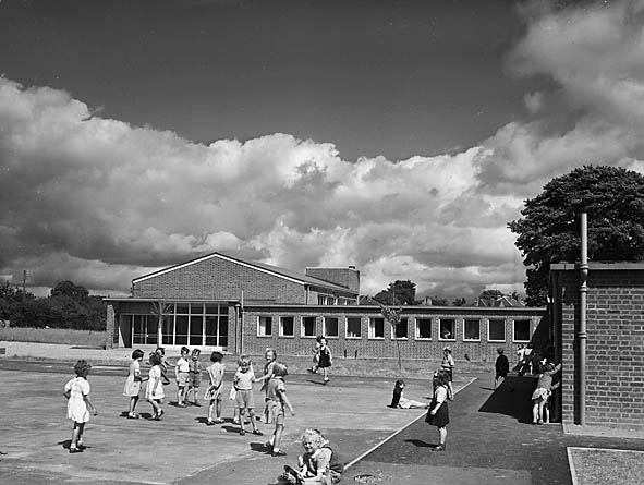 [New extension to Oswestry Infant School, Middleton Road, Oswestry]