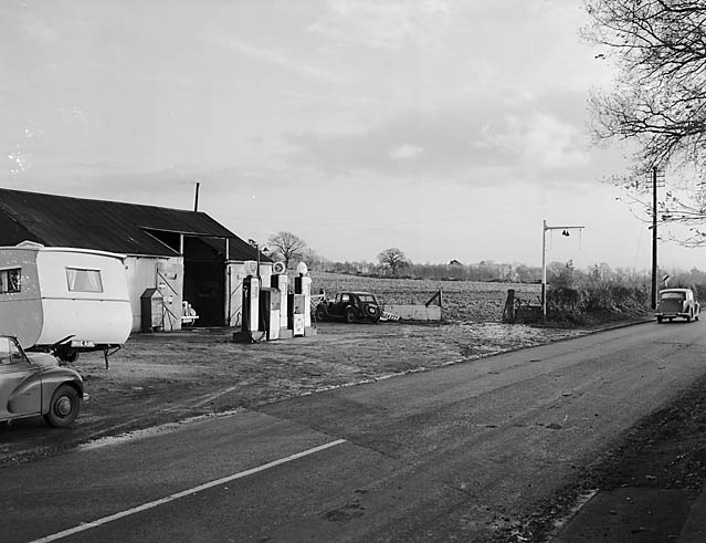 [The Shell Garage at West Felton]