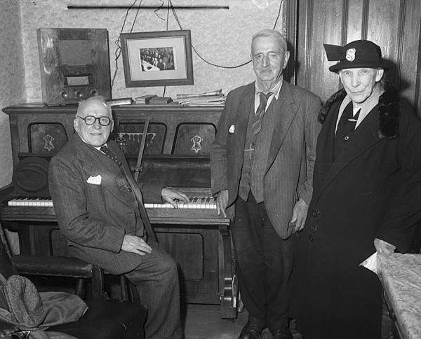 """[Bob Lloyd """"Ffrwd Alaw"""", the popular composer from Brynrefail, Caernarfon]"""