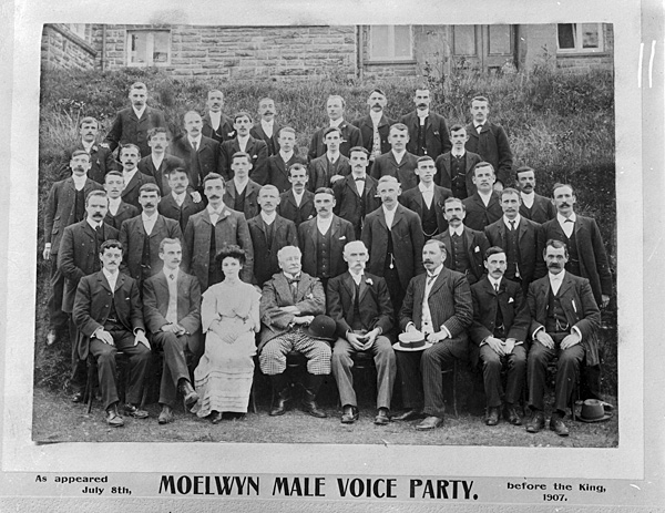 [Old photographs of the Moelwyn Male Voice Party, 1907, and a Blaenau Ffestiniog choir]