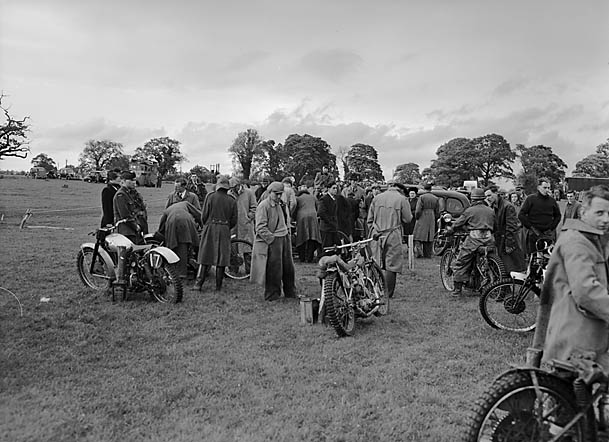 [Oswestry Motor Club grass track meeting]
