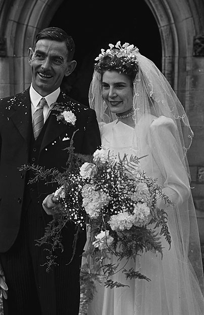 [Wedding of Eileen Hughes and J W Jones at Weston Rhyn, 1948]