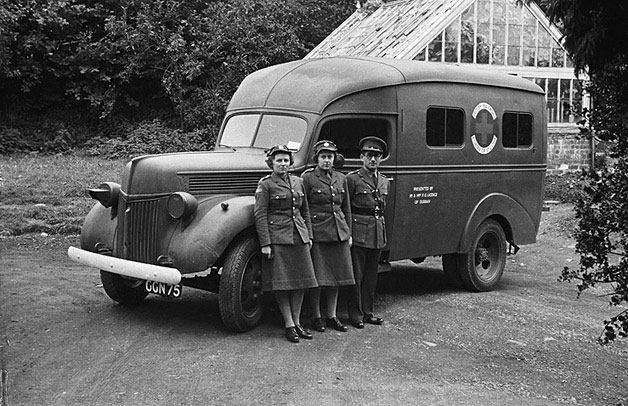 [Montgomeryshire ambulance and personnel]