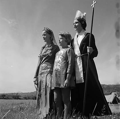 [Cyhoeddi Eisteddfod Genedlaethol yr Urdd 1964 ym Mhorthmadog, Mehefin 1963]