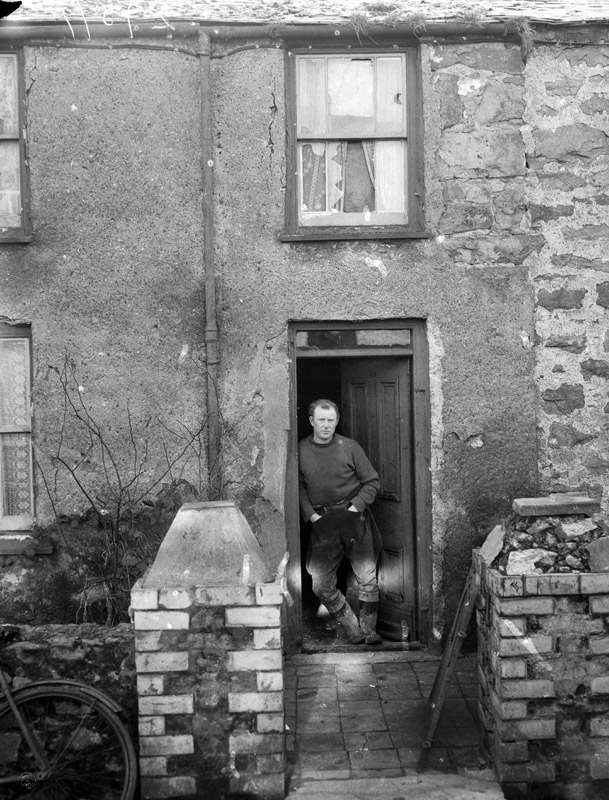[Houses in terrible condition in Llanerchymedd, and the people who live in them]