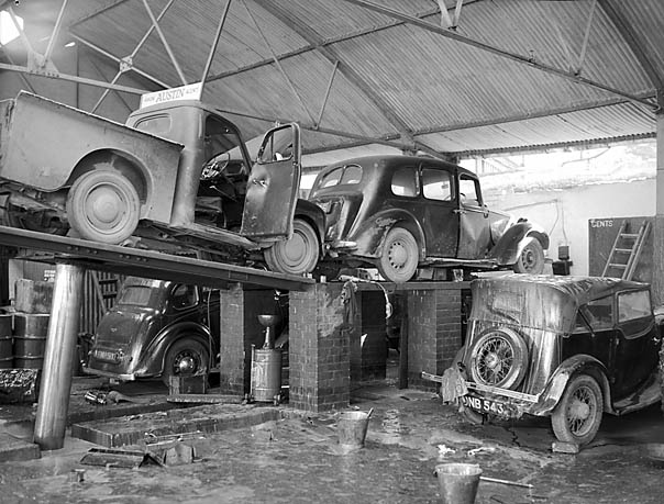 [An hydraulic ramp accident at Jones' Bros Garage, Llangollen]