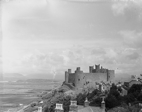 [Cestyll Conwy a Harlech]