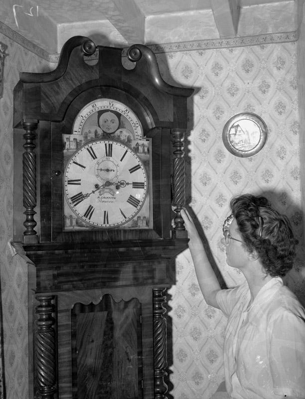 """[""""T ŷ Ni"""" - clock]"""
