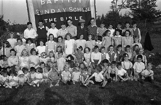 [Llanidloes Baptist Sunday School annual tea and sports]