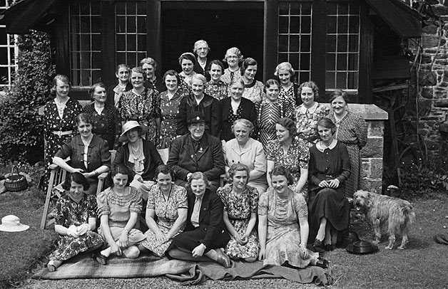 [Members of Carno Women's Institute at Plas Llysyn, Carno]