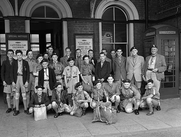 [Holy Trinity Church Scout Troop, Oswestry, leave for a holiday]