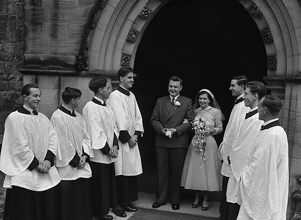 [Wedding of Linda Jones to P B Blake at Oswestry]