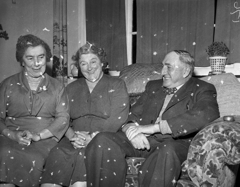[Three elderly actors from Morfa Nefyn]