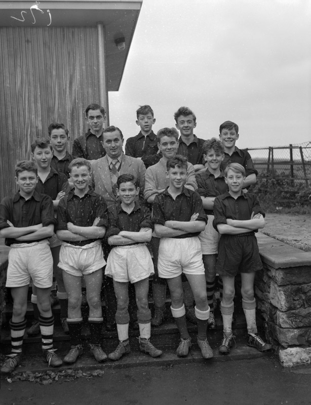 [Beaumaris football team that toured Yorkshire, 1958]