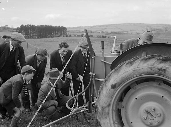 [Demonstration of aerial crop spraying at Brecon]