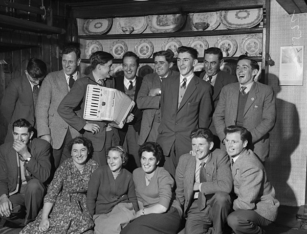 [Dyffryn Nantlle Young Farmers' Club's Noson Lawen at Tanybryn, Penygroes]