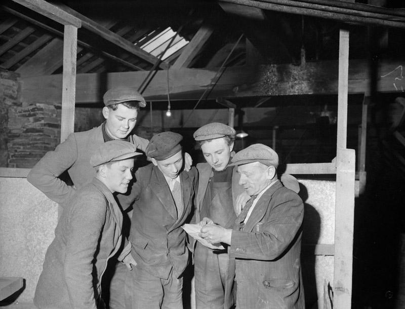 [Four new apprentices at Oakley Quarry, Blaenau Ffestiniog]