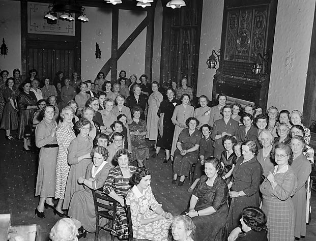 [St Giles, Shrewsbury, Womens Institute party]