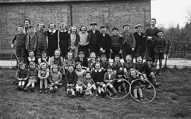 [Immunisation of children from Bettws Cedewain church school]