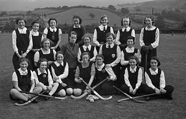 [Newtown County School hockey team beat Aberystwyth Girls' School]