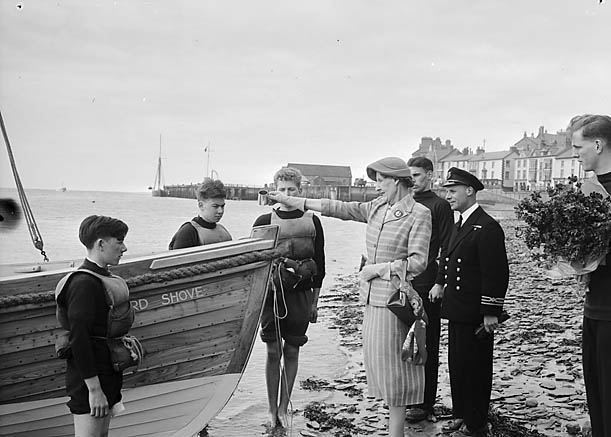 [A cutter being launched at Aberdyfi]