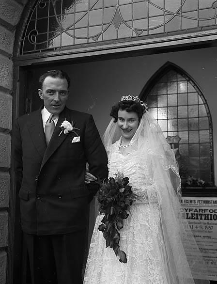 [Owen/Baines wedding at Llanrhaeadr-ym-Mochnant]