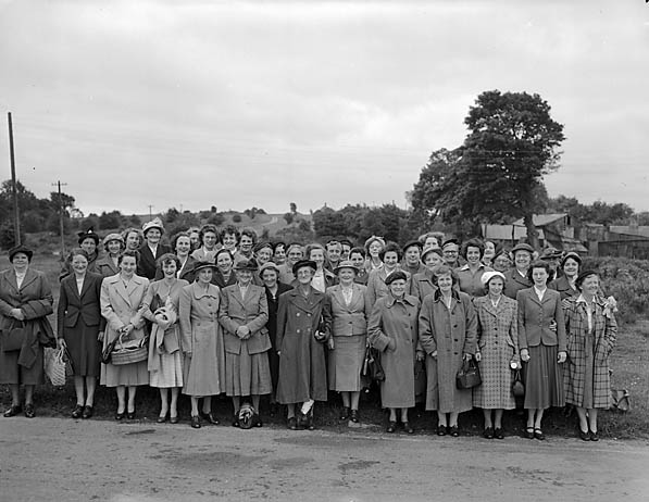 [West Felton Women's Institute visit Oswestry Racecourse]
