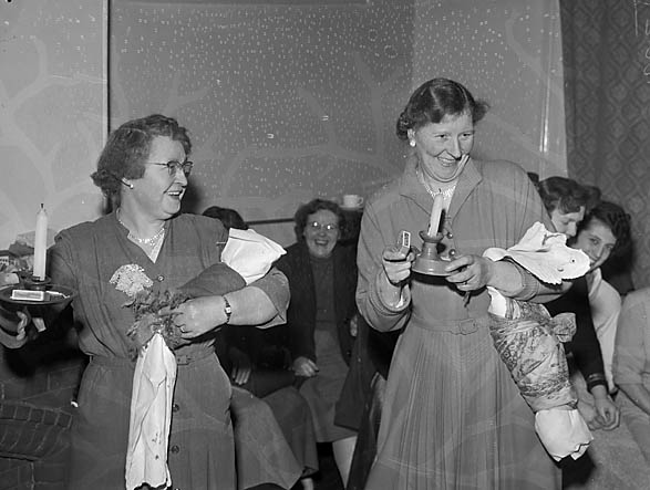 [Woodside, Oswestry Townswomen's Guild Choir Party]