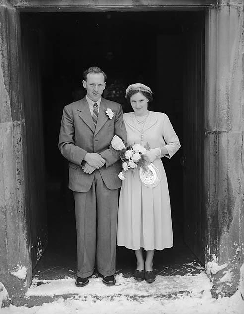 [Roberts/Jones wedding at Llanrhaeadr-ym-Mochnant]