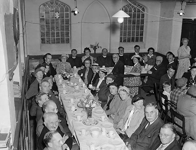 [Tea parties at Ellesmere Congregational Church and Wesleyan (Methodist) Church]