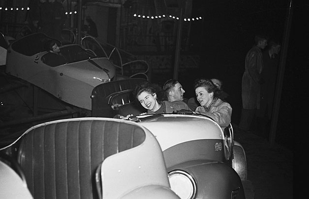 "[A split second high speed flash picture at the Oswestry Fun Fair of the ""Whirling Whip"", 1948]"