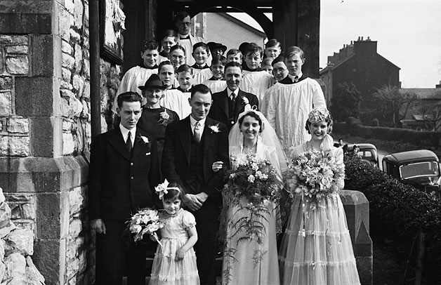 [Wedding of Doris Irene Parry and Leonard Herbert Oxer at All Saints Church, Newtown]
