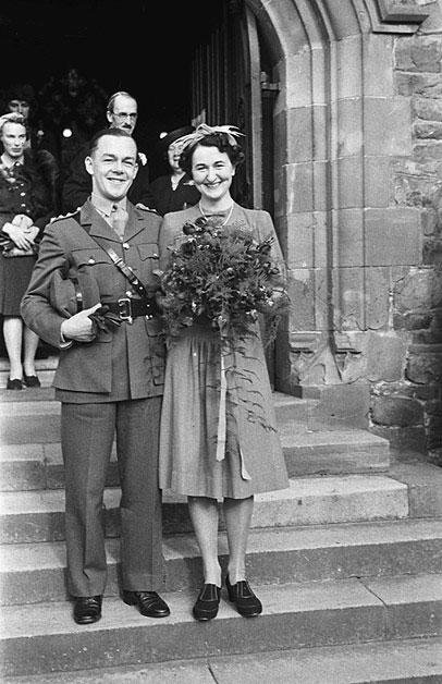 [Wedding of Pamela Gwladys Mytton Crump and William George Godfrey at St Mary's Church, Welshpool]