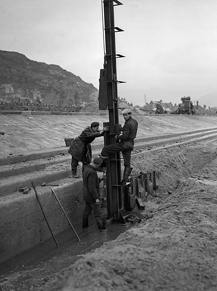 [Repairing and strengthening the sea-defences at Barmouth]