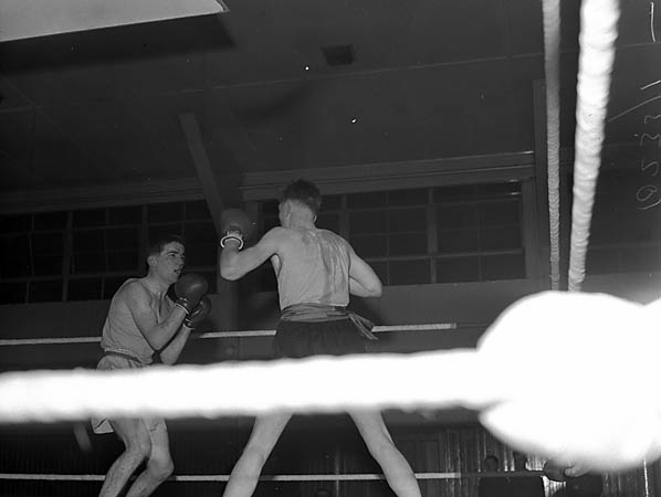 [Boxing at Park Hall Camp, Oswestry]