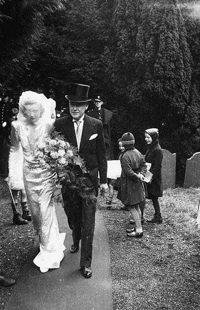 [Wedding of Josephine Annette Jessop and George Edward Soley Tomley at Llanbadarn Fawr Church]