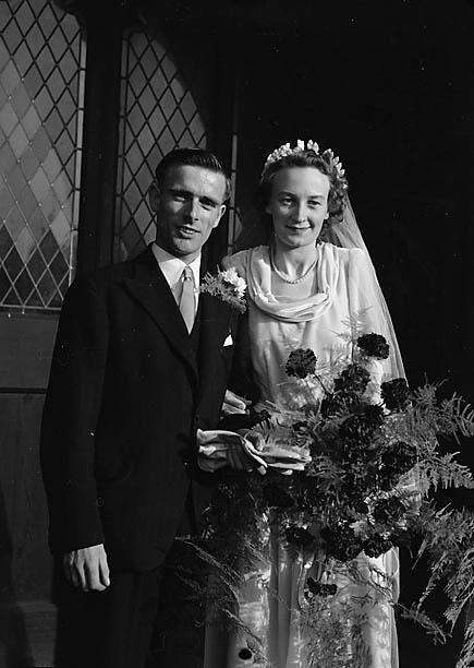 [Wedding of Jean Baker to J A J Parkes at Shrewsbury]