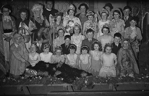 [Pantomime performed by Abermule and Cefnycoed children at a party in Cefnycoed]