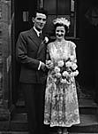 [Wedding of Miss Margaret Morris, Tyncelyn, to Richard Trefor Lloyd, Tregeiriog, in Tregeiriog]
