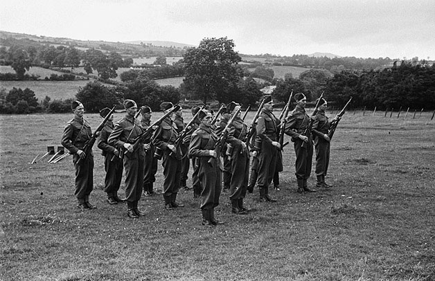 [Home Guard fete and demonstration at Pen-y-bont-fawr]
