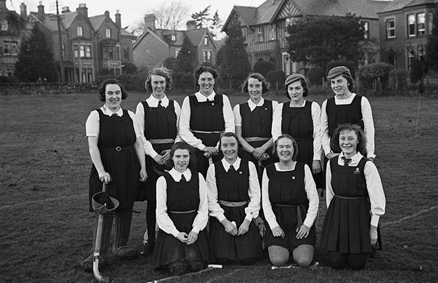 [Oswestry Girls' High School hockey team versus Old Girls' team]