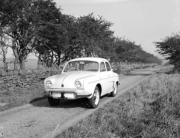 [Test Driving the Renault Dauphine]