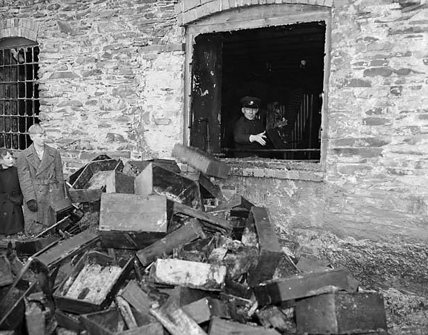 [Mill fire at Llansanffraid Glynceiriog]